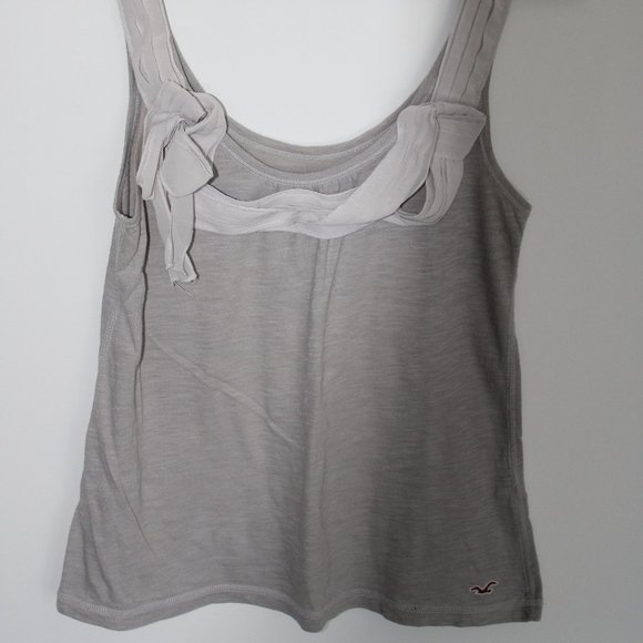⭐3/$10⭐ Grey Hollister Tank Top with Bow Detailing